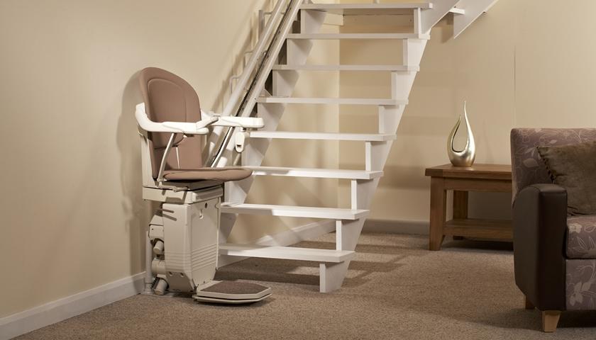 gebrauchter Treppenlift840x480